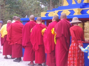 byron stupa monks