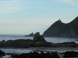 nugget point lighthouse catlins