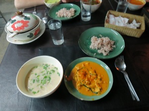 I made a coconut soup and tasty penang curry