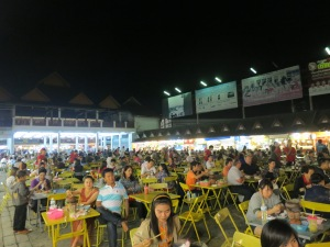 A full food court at 10pm
