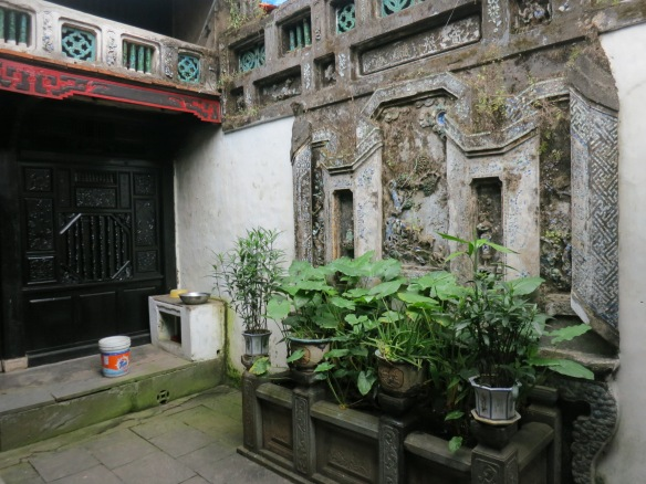 Old House of Quan Thang