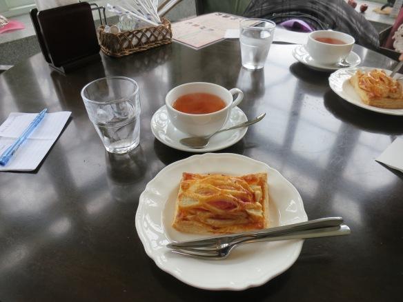 Apple tea & tart