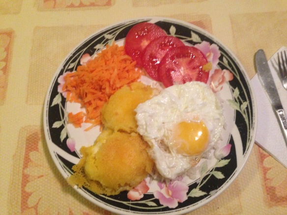 Llapingachos, arroz, huevo frita