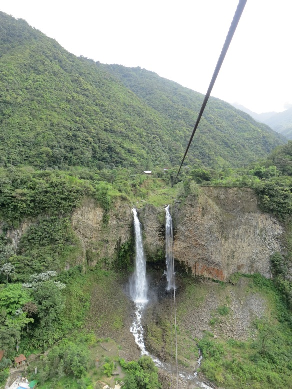 Cable car to the waterfall