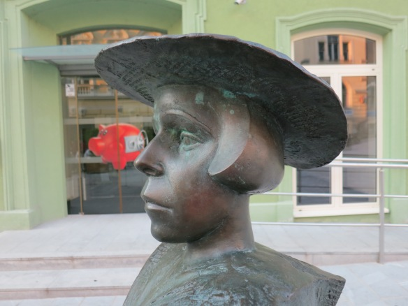 Statue of Alma Karlin in Celje, her hometown
