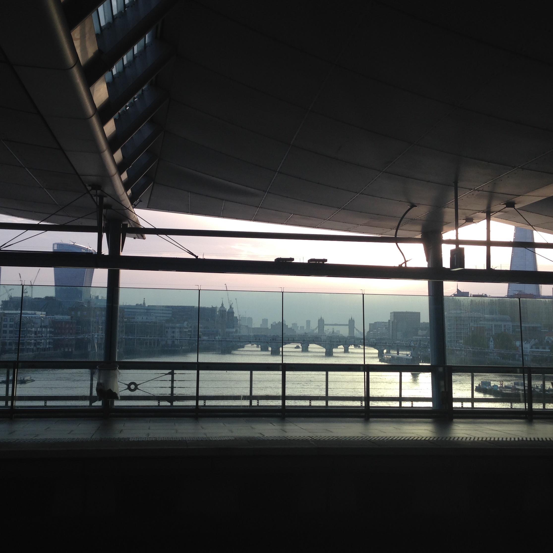 sunrise london england blackfriars