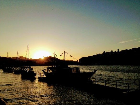 sunset porto portugal douro river